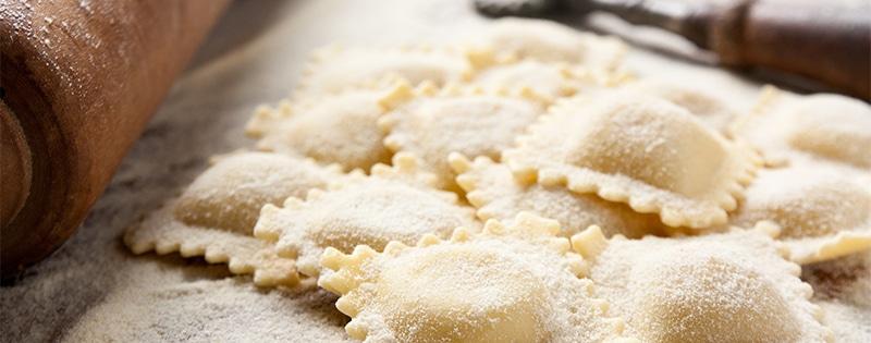 Steinpilzravioli in Kirschtomaten-Oregano-Butter